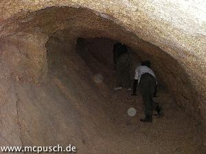 Höhle in der Nähe des französischen Friedhofs - wurde im 1. Weltkrieg als Versteck verwendet