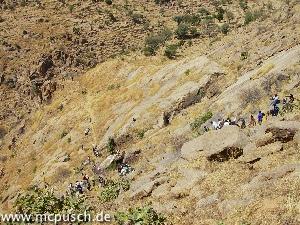 Steiler Abstieg in ein Seitental, und andere Seite wieder hinauf