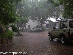 Blick vor unsere Haustür, am 09.05.2008 mit 6 mm Regen.