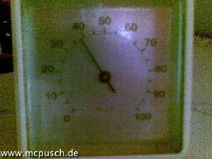 Hygrometer: knapp 40 Prozent Luftfeuchtigkeit