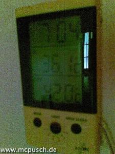 Thermometer: 42°C aussen; 36,1°C innen